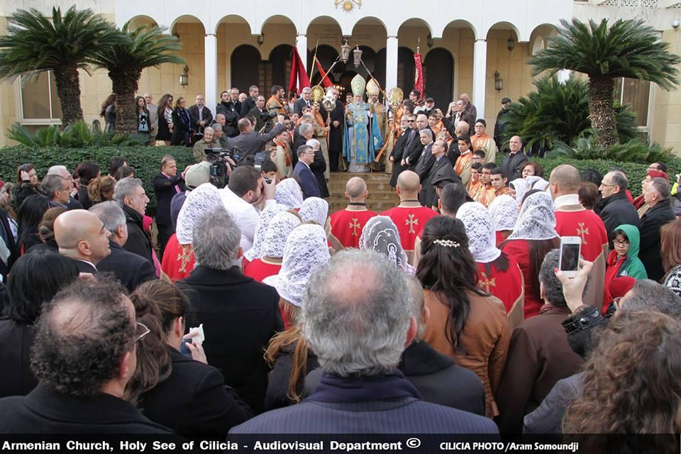 Lebanon: Catholicos Aram I bless faithful on Christmas day